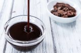 Easy Homemade Chocolate Sauce with Heavy Cream