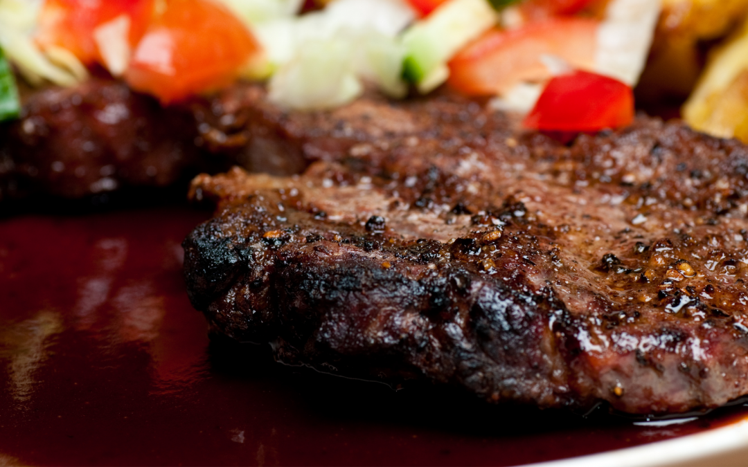 Red wine chocolate sauce with steak
