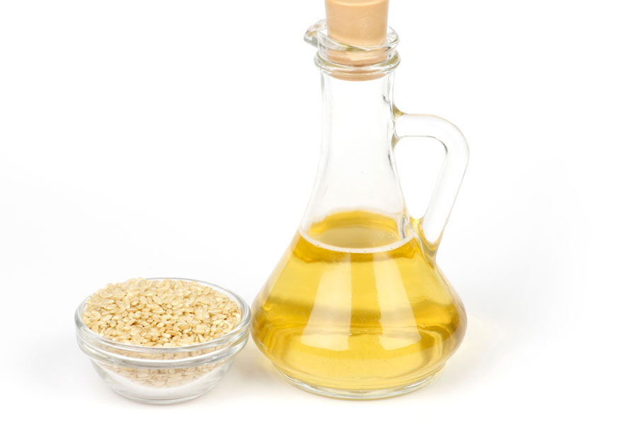 Rice-vinegar-with-brown-sugar-as-a-substitute-for-tamarind-paste