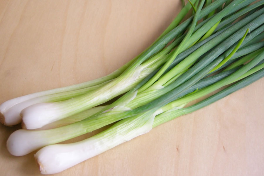 Spring-onions-as-a-substitute-for-green-onions