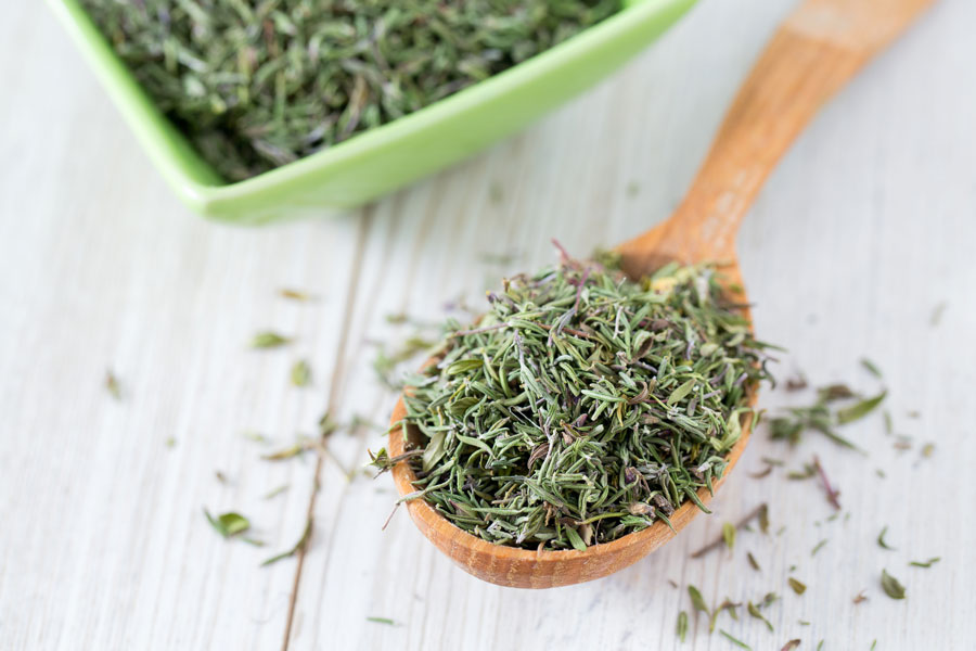 thyme as a substitute for bay leaves